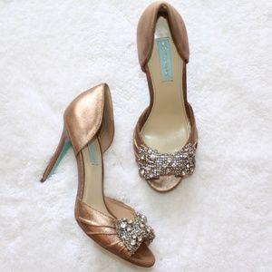 """Betsey Johnson-""""SB-Gown"""" bronze formal heels [8.5]"""